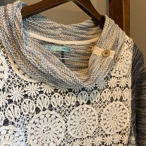 Drop Neck Lace & Shabby knitted Sweater